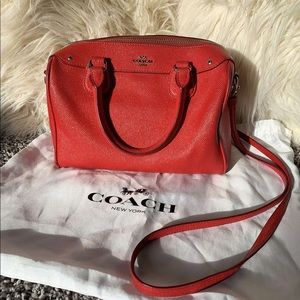 ✨ Red-Coach hand bag ✨